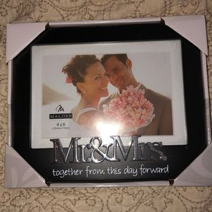 🆕 Picture frame-wedding.  Brand new!